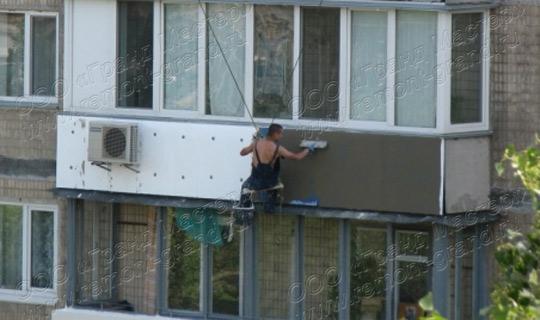 Нужно ли утеплять балкон снаружи.